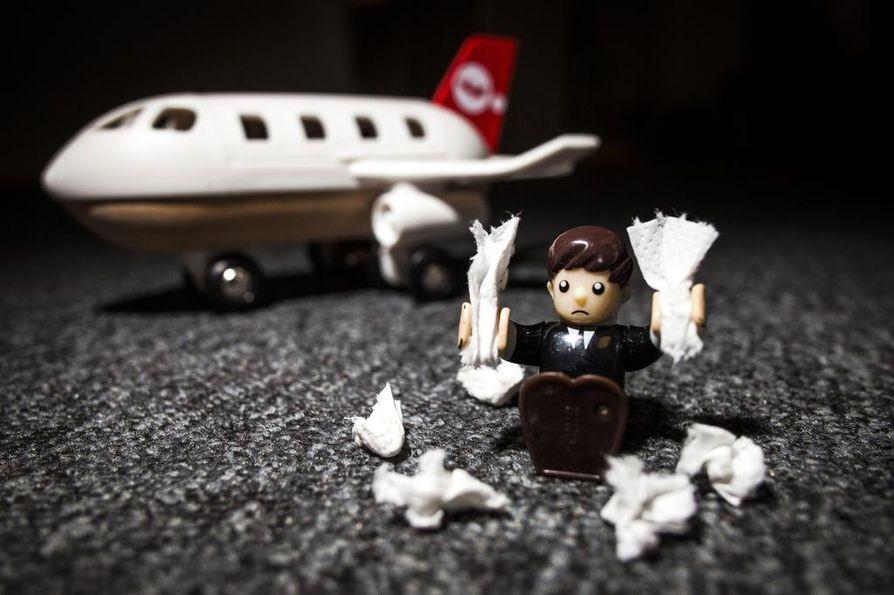 Jos nenäliinoja menee enemmän kuin paketillinen päivässä, voi olla viisasta siirtää lentomatkaa tai ainakin selvittää, millä tavoin oloaan voi koneessa helpottaa.