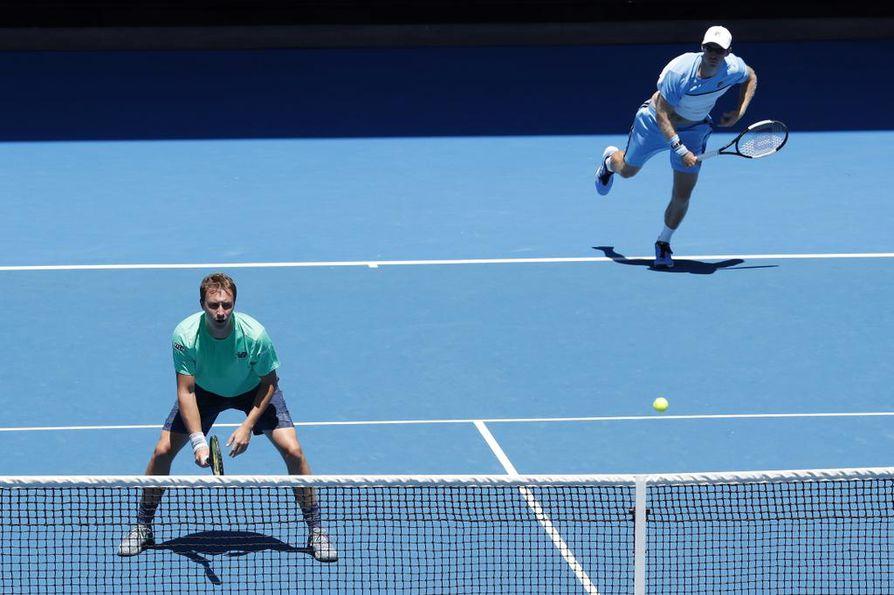 Henri Kontinen ja John Peers ovat pudonneet jatkosta Wimbledonin tennisturnauksesta.