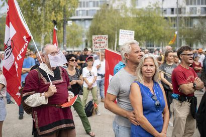 Sveitsissä brexit-henkinen kansanäänestys: Kansalaiset äänestävät, säilyttääkö maa vapaan liikkuvuuden EU-maiden kanssa – Samalla kolme muuta kansanäänestystä