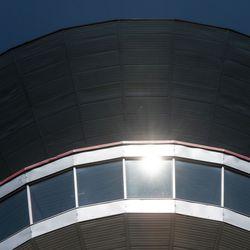 Perinteisen jo 50. Kuusamon taideleirin näyttely avautuu tänään – Juhlataideleirin näyttely levittäytyy vesitornille ja Kuusamo-opiston päärakennukseen
