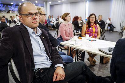 Tommi Lepojärvi ja Helena Halttu ovat nousemassa puheenjohtajiksi Keminmaassa