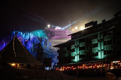 Videotaiteilija pohtii ristiriitaa kaukokaipuun ja matkailun kestämättömyyden välillä – katso, miltä näyttää Polar Night Light -festivaalilla tänä vuonna