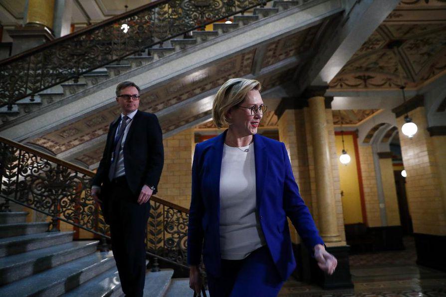 Työministeri Tuula Haatainen valmistelee hallituksen työllisyystoimia.