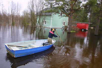 Viileä sää siirtää Lapin ennätyssuureksi arvioitua tulvahuippua –Lapin tulvat ovat viimevuosikymmenten pahimpien veroisia tai jopa kovempia