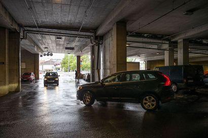 Lapin Kansa testasi kuusi parkkihallia – missä on isoimmat pysäköintiruudut ja mitkä ovat hankalimmat paikat?