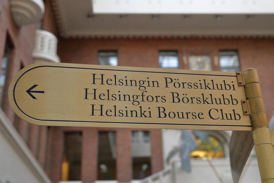 Helsingin Pörssiklubi on äänestänyt sääntömuutoksesta, jonka jälkeen jäseneksi otetaan myös naisia.