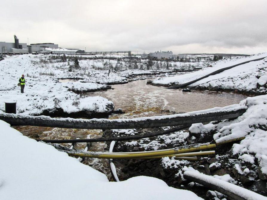 Talvivaaran kaivoksen ympäristöonnettomuus tapahtui, kun liiaksi täyttyneet kipsisakka-altaat alkoivat vuotaa ensimmäistä kertaa marraskuussa 2012.