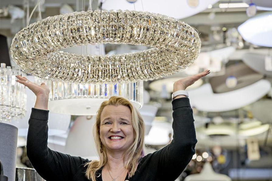 Kristina Fredriksson johtaa Hammarin sähköä jo neljännessä polvessa.