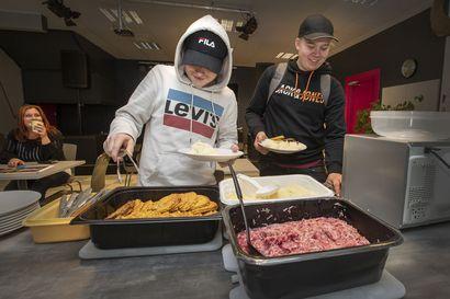 Satelliitin tiloista ruoka-apua nuorille ja lapsiperheille
