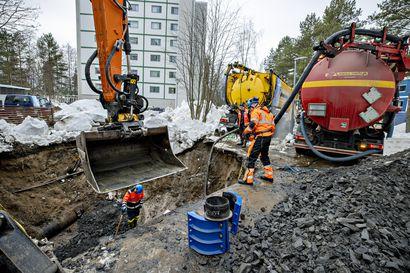 Oulun Vesi: Kaijonharjun ja Linnanmaan vedenjakelu varmistettiin tilapäisellä korjauksella, asukkaiden kannattaa silti varata käyttövettä