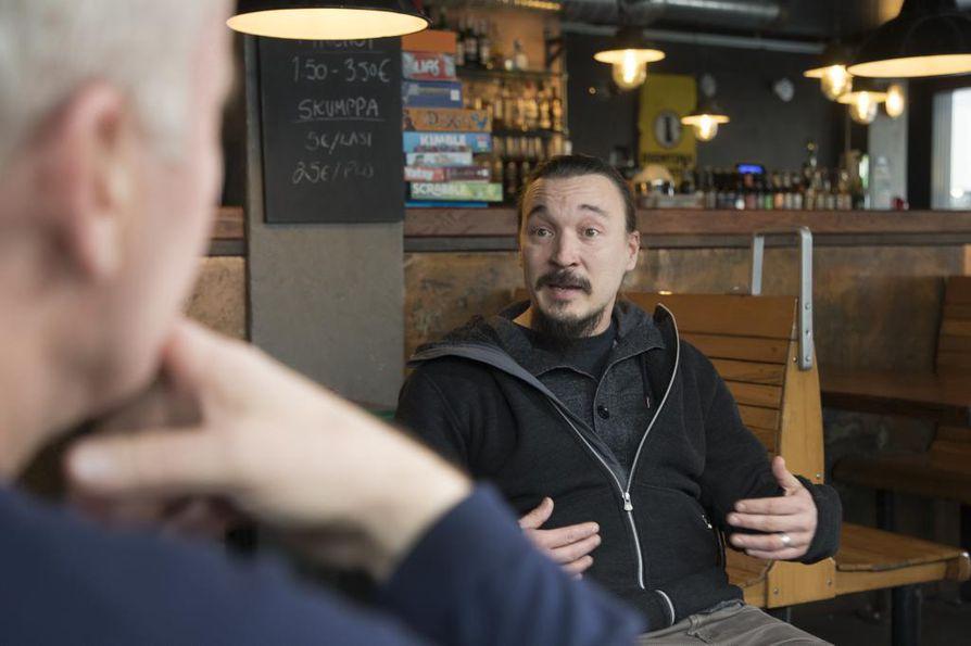 Saha Prod Oy:n toimitusjohtaja Mikko Pohjola aikoo laittaa arvomaailmansa uusiksi viimeaikaisten tapahtumien johdosta.