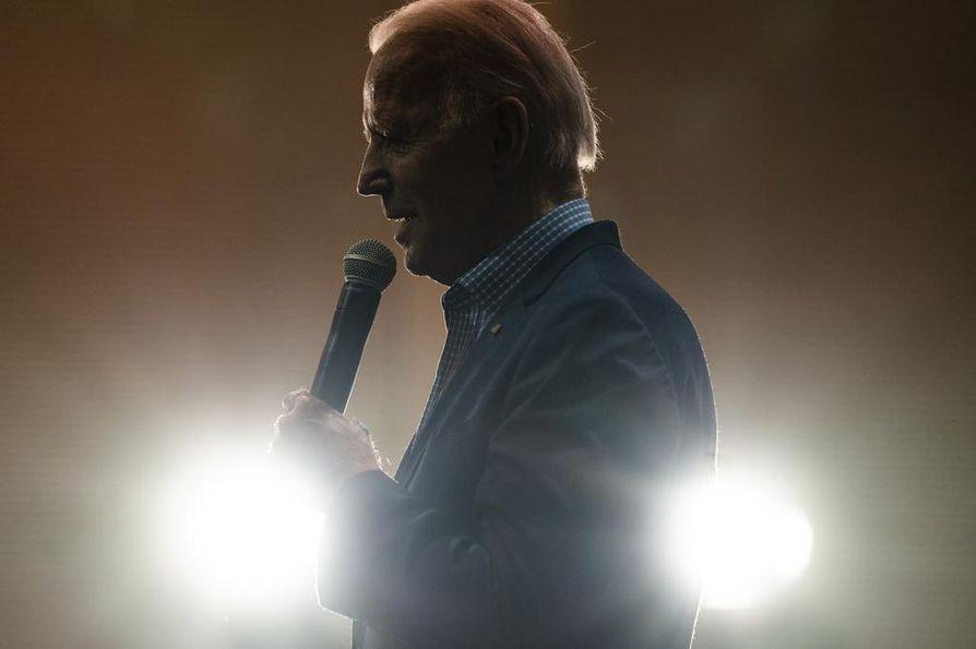 Yhdysvaltojen entinen varapresidentti Joe Biden on kirinyt kyselyissä viime päivinä. Torstaina julkaistussa mielipidemittauksessa Bidenin kannatus Etelä-Carolinan esivaalissa oli noussut korkeimmaksi.