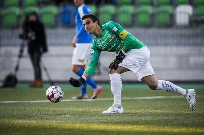 """""""Fiksuin tapaamani jalkapalloilija"""" - Risto Niva on harmissaan Antonio Regueron lähdöstä, mutta etsii jo uutta veskaria"""