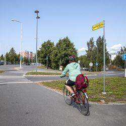 """Qstock sulkee Suomen vilkkaimpiin kuuluvan pyörätien yli viikoksi – liikenneinsinööri Harri Vaarala: """"Pyöräilykaupungin pitäisi pystyä parempaan"""""""
