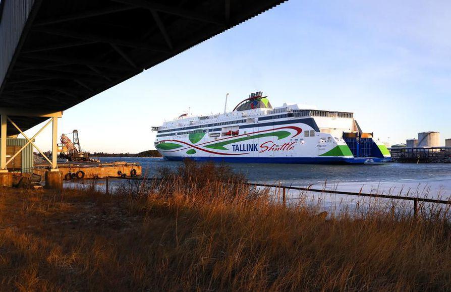 Tallink Siljan henkilökunnan tulosteiden seuranta on Lännen Median tietojen mukaan aiheuttanut hämmennystä työntekijöiden piirissä. Yhtiö liikennöi Helsinki–Tallinna-väliä muun muassa Megastar-laivallaan.
