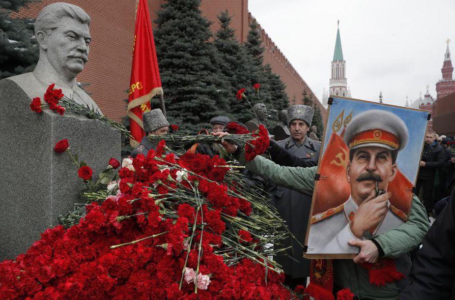 Stalin on tunnetuin Neuvostoliiton johtajista. Hänen aikanaan miljoonia neuvostoliittolaisia teloitettiin ja vietiin vankileireille.