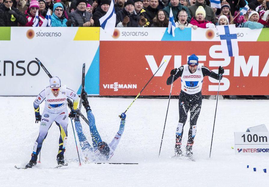 Matti Heikkinen kaatui loppusuoran aluksi.