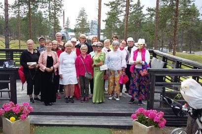 Naisenergiaa golfkentällä – Petäjäkankaalla nähtiin sunnuntaina joukko juhlavasti pukeutuneita pelaajia