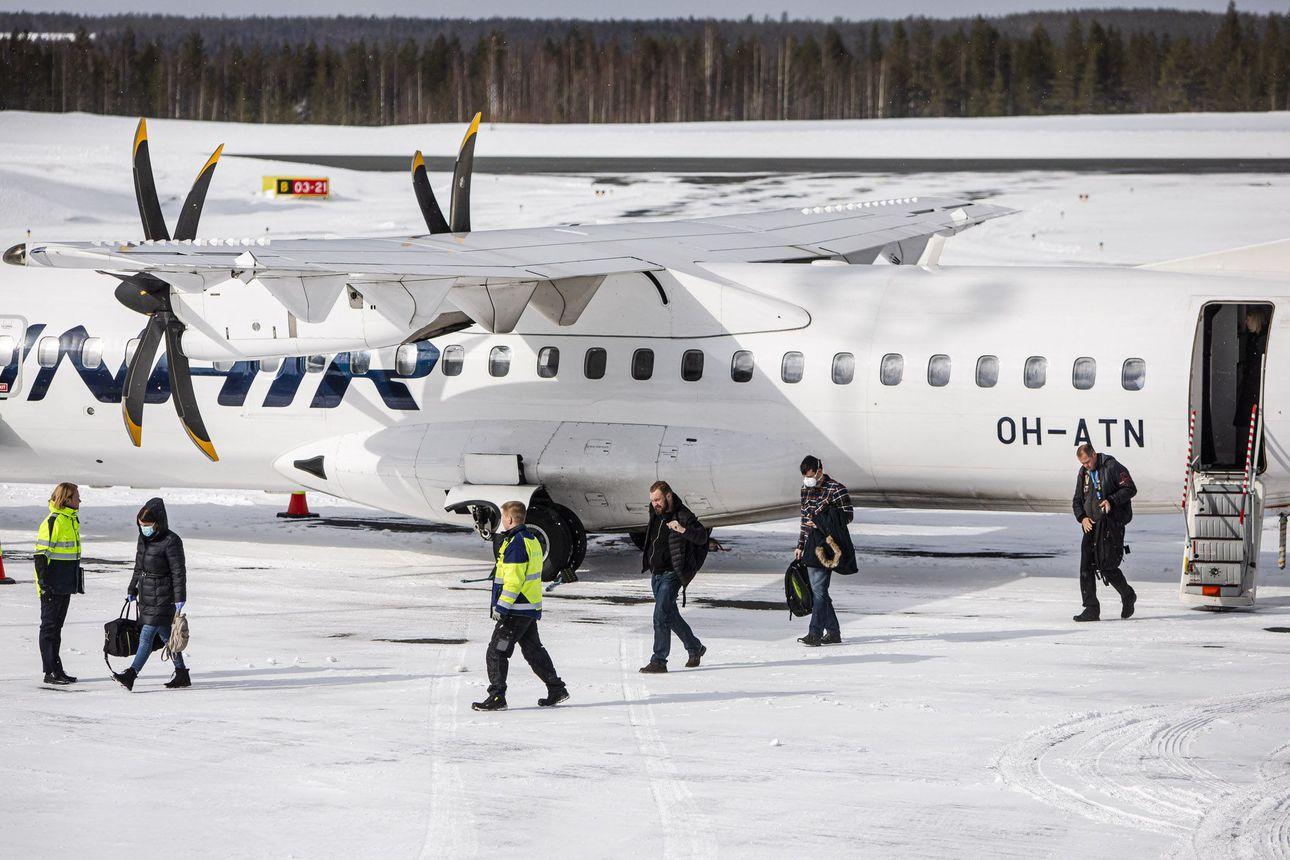 Ulkomailta Helsinki-Vantaalle lentävä lappilainen ohjataan nyt taksiin eikä Rovaniemen lentokoneeseen