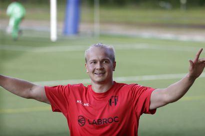 Pekka Welling tekee nyt siviilitöidensä ohessa osumia Herculesille – Hän nousi nuorena AC Oulun joukkueeseen, mutta kävi välillä kahden vuoden ajan lähetystyössä Romaniassa