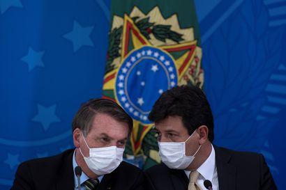 """""""Jotkut kuolevat ja sellaista on elämä"""" – Brasilian presidentti ei vieläkään usko koronaviruksen vaaroihin"""