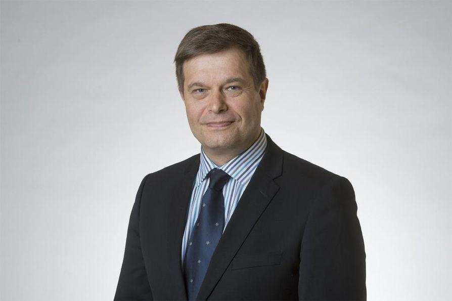 Helsingin käräjäoikeus kuuli kansanedustaja Kari Tolvasta torstaina todistajana poliisin virkarikosoikeudenkäynnissä.
