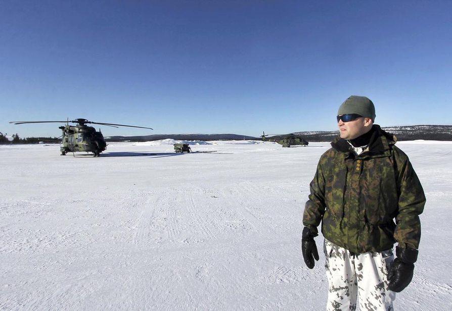 Keli ja olosuhteet vaihtelevat Lapissa joskus nopeasti. Eversti Jaro Kesänen sanoo, että kaikenlaisia muistoja on kertynyt nin 20 vuoden aikana.