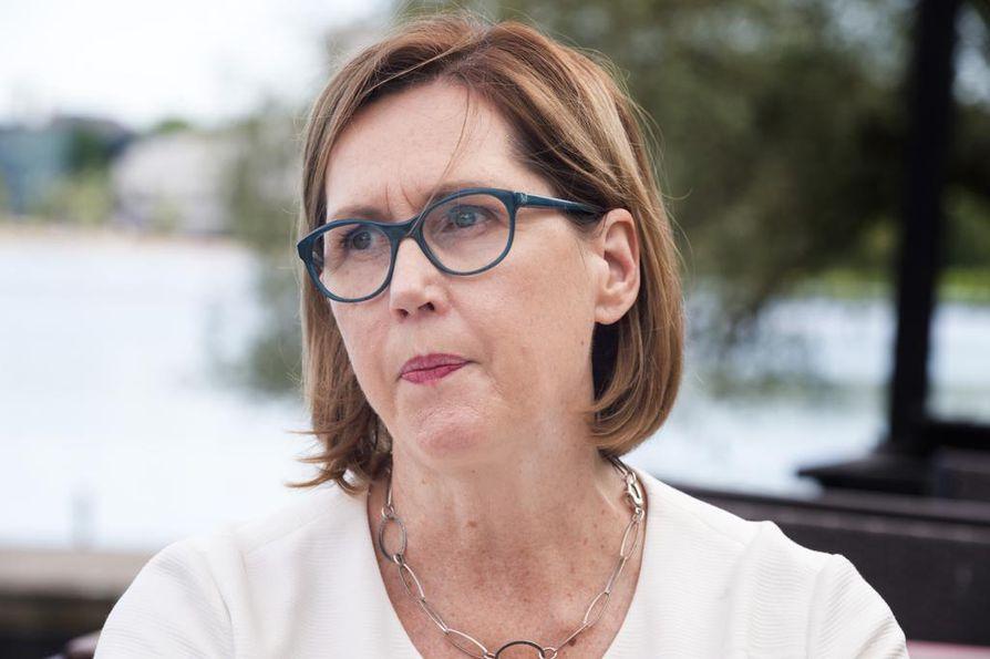 Työministeri Tuula Haataisen (sd.) kerrotaan siirtäneen kemian alan lakkoa.