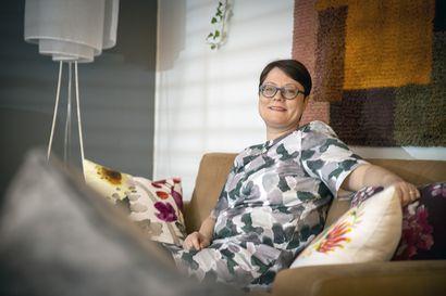 Koskenkorva on perjantaipullo, Napue puhuttelee hifistelijöitä, mutta joulupukki on brändeistä paras – Rovaniemeltä kotoisin oleva professori Saila Saraniemi nostaa esiin onnistuneita suomalaisbrändäyksiä