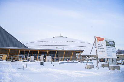 Kesäkuussa avattavan Ouluhallin laajennuksen kesävuorot ovat haettavana – Värtön liikuntahallille vuoden jatko, Urheilutalo suljetaan