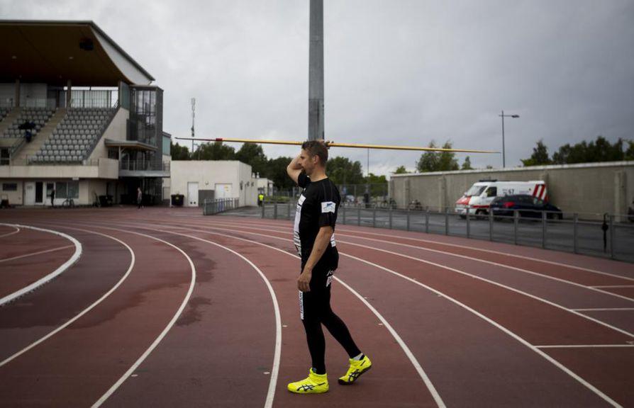 Antti Ruuskanen palasi tiistaina kilpakentille Valkean kaupungin kisoissa Raatissa.