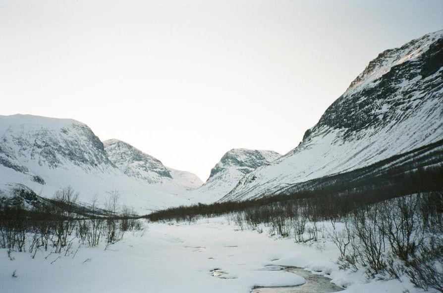 Arktisen neuvoston tehtävänä on edistää arktisten valtioiden ja alkuperäiskansojen yhteistyötä erityisesti ympäristönsuojeluun liittyvissä kysymyksissä.