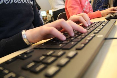 ICT-osaajien pulaan helpotusta: Muuntokoulutus alkaa Oulun yliopiston alaisuudessa
