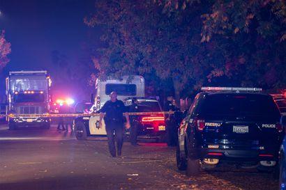 Ainakin kymmentä ihmistä ammuttiin perheen kotitalon takapihalla Kaliforniassa – Seurue oli kokoontunut katsomaan jalkapalloa