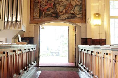 Arkistojen kätköistä: Rantalakeus löysi Kempeleen vanhan kirkon kadonneen alttaritaulun – taulu hävisi vuonna 1939, eikä siitä sen jälkeen tiedetty mitään