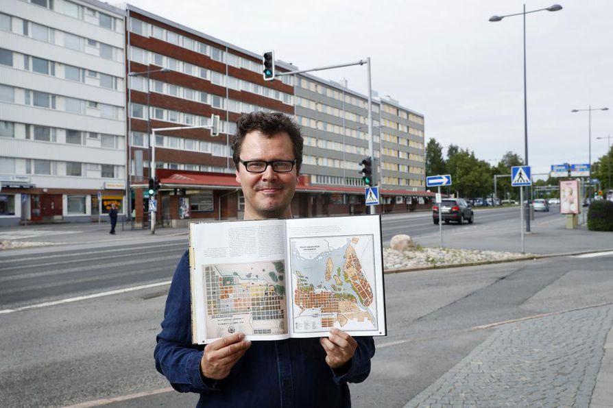 Kartat Vievat Menneeseen Uusi Kirja Valottaa Oulun Seudun
