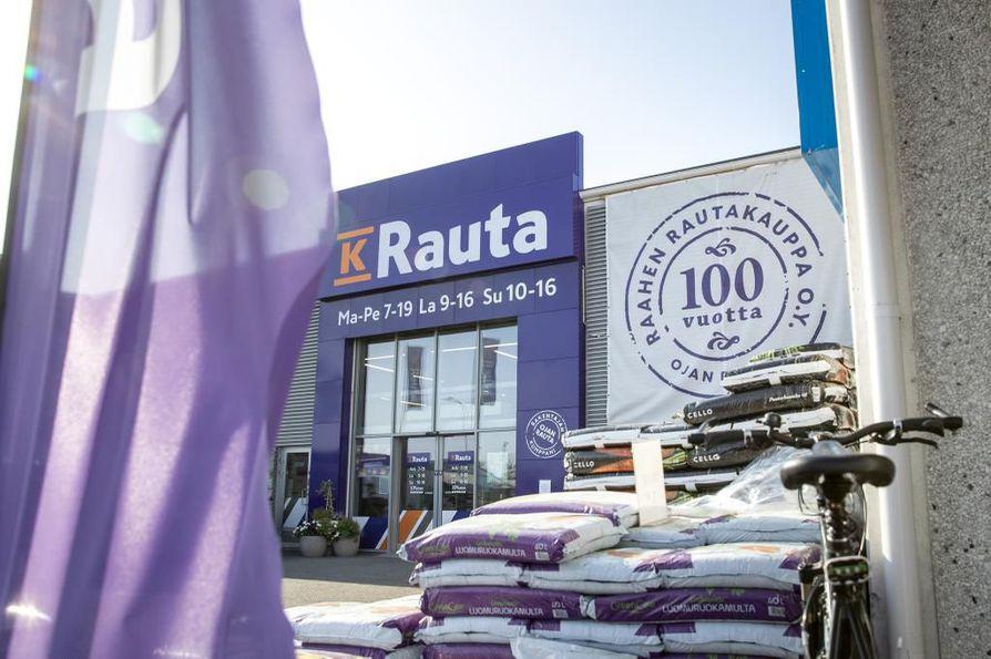 Ojan Rauta sulkee myymälänsä Oulussa.