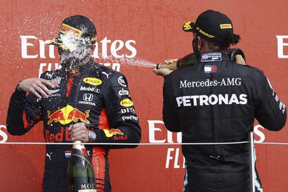 Mercedes-pomo myöntää: Mestaruustaistelu nyt menossa – Max Verstappenin kanssa