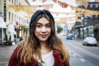 """Rovaniemeläinen Saika Hasnat, 15, tajusi vasta äskettäin, että hänkin voi olla kaunis – Näin some vaikuttaa tyttöjen itsetuntoon: """"Täydet meikit päälle ennen kuvausta"""""""