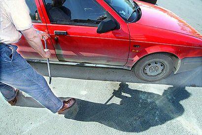 Automurtoja Oulussa tehtaillut mies ei saanut alennettua tuomiotaan – 11 varkaudesta lähti mukaan sekalaista tavaraa, käteistä ja tyhjiä pulloja