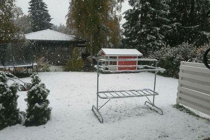 Lumi peitti maan ja ensimmäiset ottivat sukset esiin – katso lukijoiden kuvia syyskuun lumisateesta