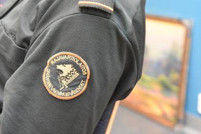 Lapin rajavartiostolla vilkas vuodenvaihde ja loppiainen: Puuttuvia viisumeita, tutkanpaljastimia ja ojaan ajaneita autoja