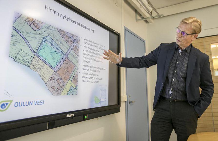 Jouni Lähdemäki sanoo, että uuden vesilaitoksen tilantarve on kasvanut.