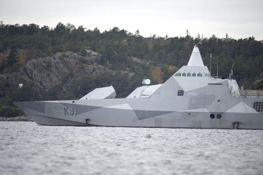 Ruotsin puolustusvoimien mukaan etsintäoperaatio jatkuu niin kauan kuin tarpeelliseksi katsotaan.