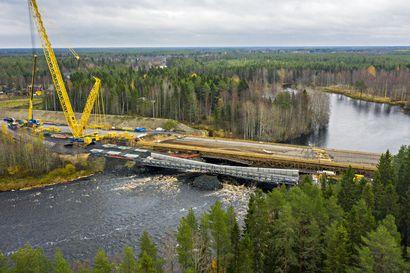 Kiiminkijoen ylittävä väliaikainen silta saadaan viimein käyttöön