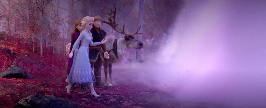 Ruskanlehdet leijailevat Frozen-elokuvan trailerillakin.
