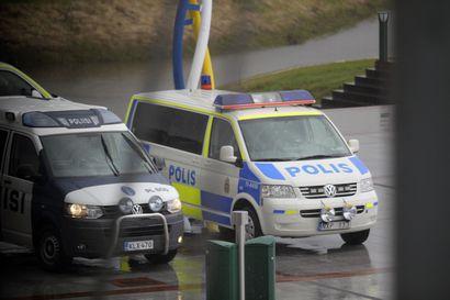 """Suomalaispoliisi voi jatkossa päätyä kiireelliselle hälytykselle Ruotsiin –""""Epäselvää on, kuka johtaisi ja olisi vastuussa toiminnasta"""""""