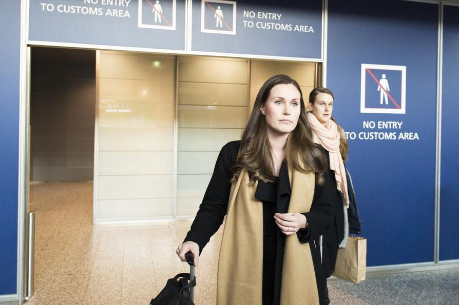 Sdp:n varapuheenjohtaja Sanna Marin saapui Suomeen etuajassa Brysselistä.
