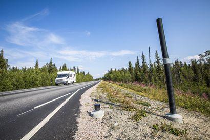 Pöllyävä lumi ja edellä ajavat kuorma-autot haastavat automaattisen ajoneuvon etäohjauksen ja paikantamisen – robottiauto tarvitsee pohjoisessa riittävät verkkoyhteydet