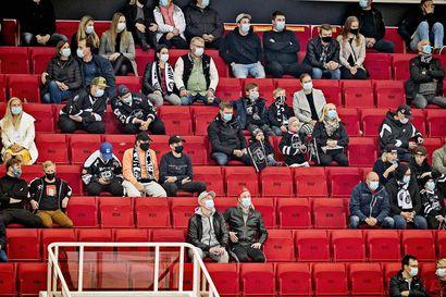 Tyhjien penkkien painajainen – asiantuntijoiden mukaan ei ole mitään takuita sille, että yleisö palaisi koronan jälkeen runsaslukuisena urheilukatsomoihin